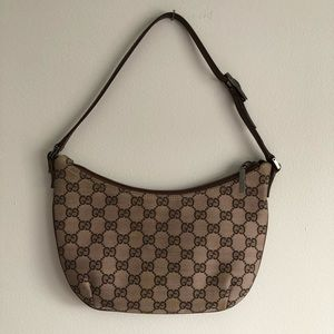 Gucci crescent bag
